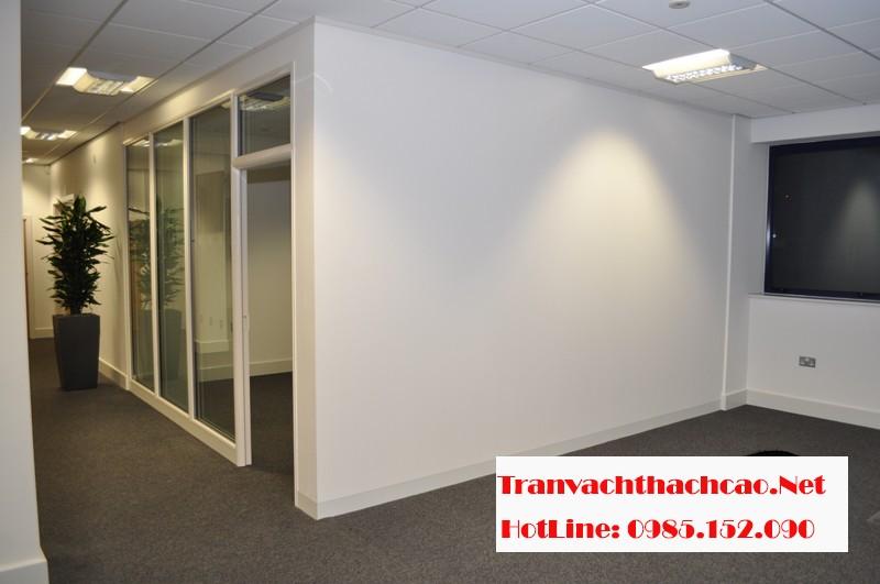 Thi công vách thạch cao văn phòng nhanh gọn, giá rẻ